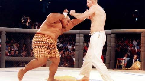 Gerard Gordeau vs. Teila Tuli - first ever UFC fight