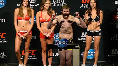 UFC 173 Weigh-In