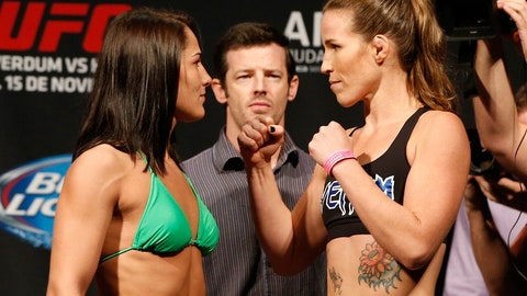 Jessica Eye vs. Leslie Smith