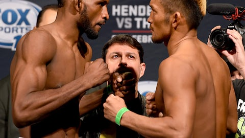 Henderson vs. Thatch weigh in