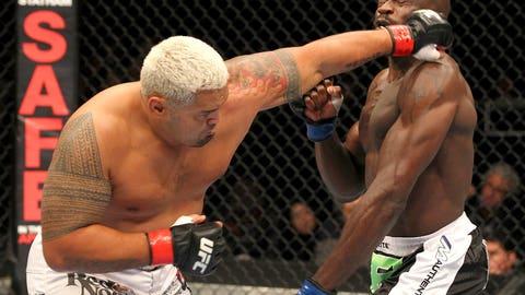 Mark Hunt vs. Cheick Kongo at UFC 144