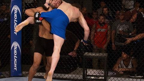 Valdir Araujo (Blackzilians) vs. Steve Carl (ATT)