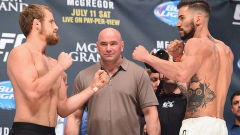 UFC 189: Mendes vs. McGregor weigh-in gallery