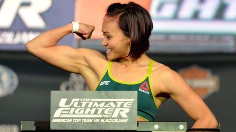 Paige VanZant vs. Michelle Waterson