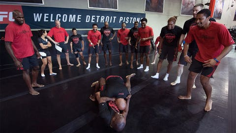 Detroit Pistons stars work out with UFC fighters