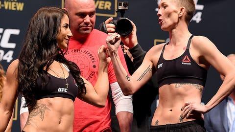 UFC 194: Aldo vs. McGregor weigh-in photos