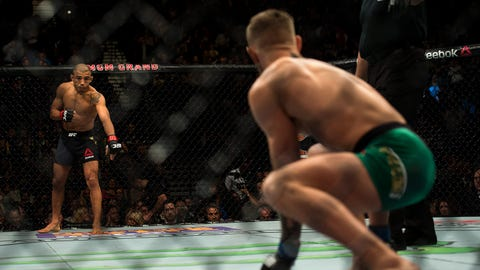 Conor McGregor vs Jose Aldo