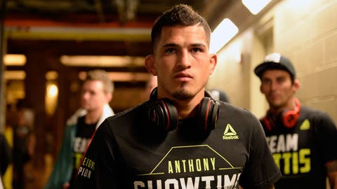 Anthony Pettis vs. Charles Oliveira