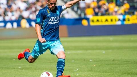 Osvaldo Alonso - 79 overall