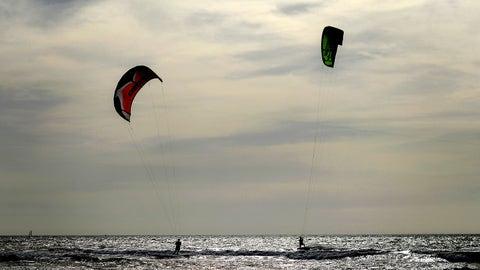 Kites ... err, surf's up