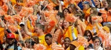 Butch Jones: Tennessee Football Coach Says Vols Sold Out Season Tickets in 2016 for First Time Since 2001