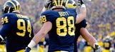 Michigan TE Jake Butt's family's show of support is booty-ful (PHOTO)