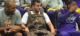 LSU kicker braves flooding in Louisiana in river waders