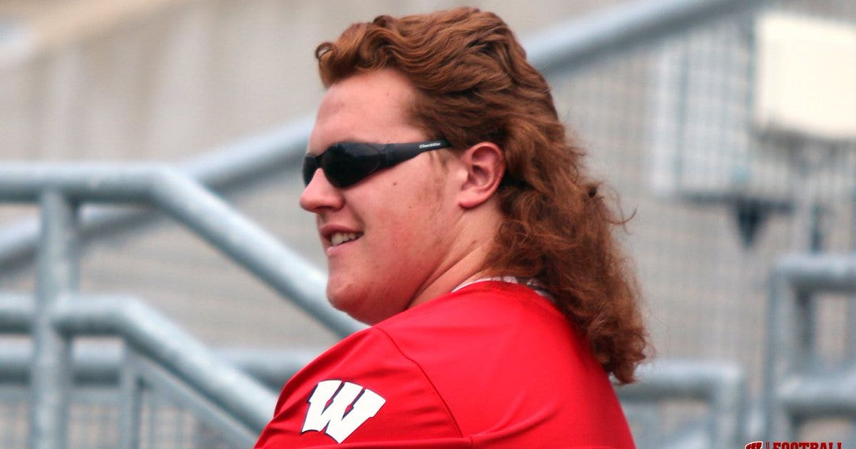 Redheaded Wisconsin lineman will open season with a