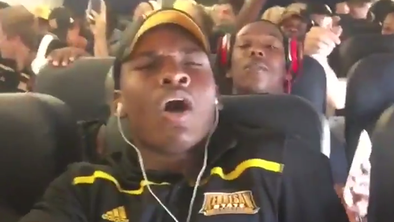Watch Kennesaw State player freak out on the first flight of his life
