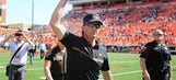 Oklahoma State coach Mike Gundy breaks out slick dance moves after win over Texas