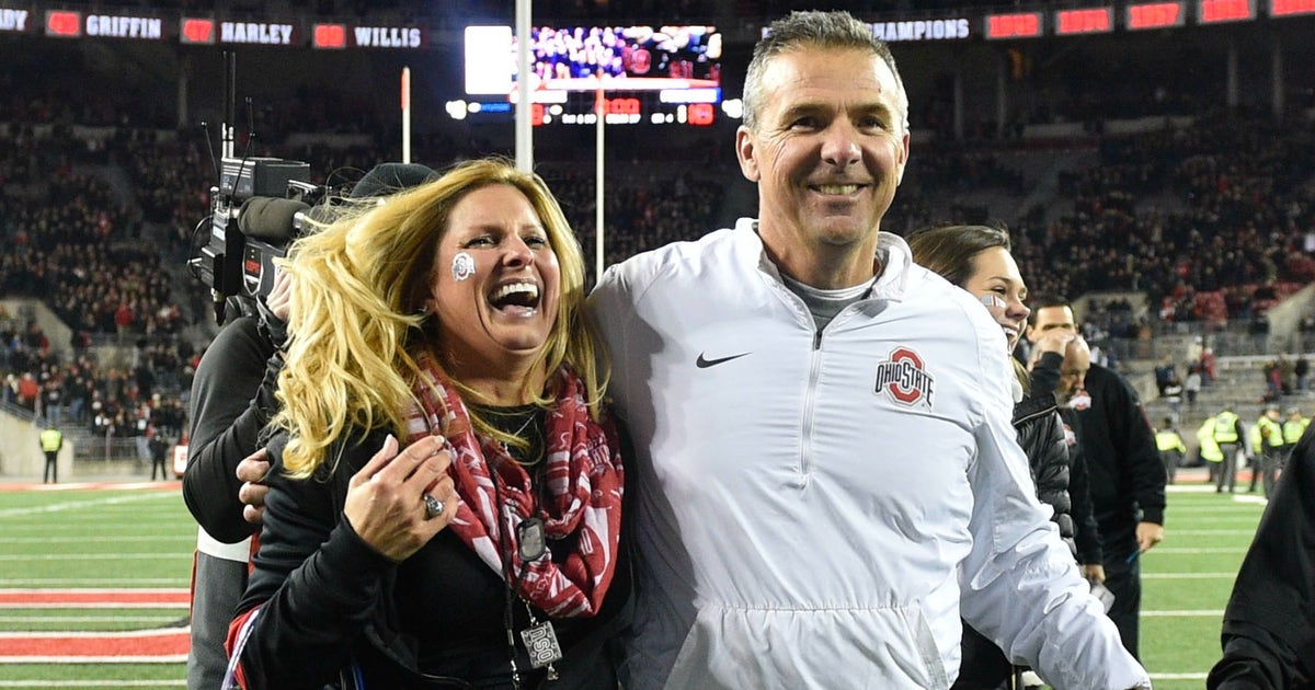 Urban Meyer S Wife Posts Awesome Throwback Photo Prior To