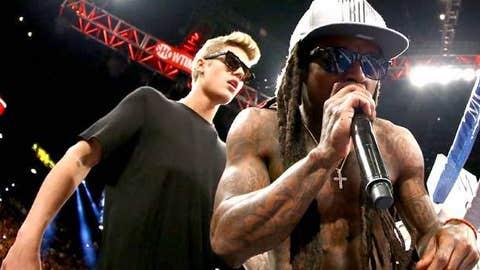 Singers Justin Bieber and Lil Wayne