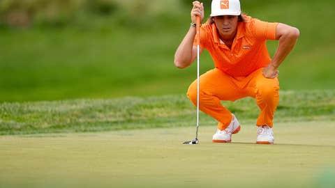 Orange kneel