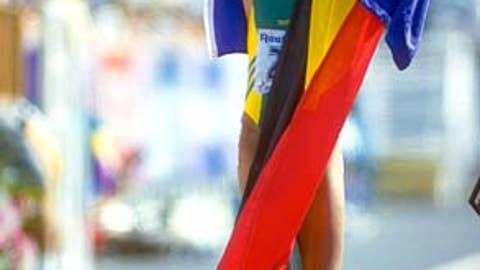 2000: Freeman's gesture of unity
