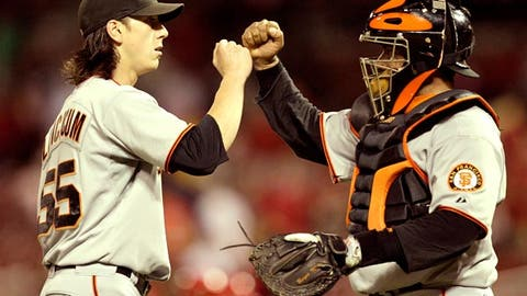 Giants make serious run at the Dodgers