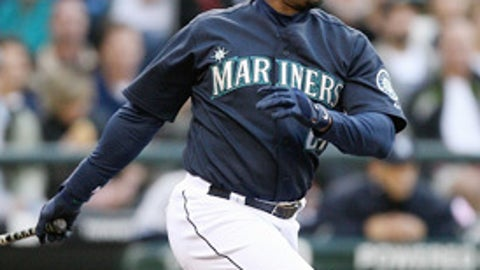 Outfielder Kenny Griffey Jr., Seattle (40)