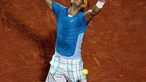 Rafa reaches for the heavens