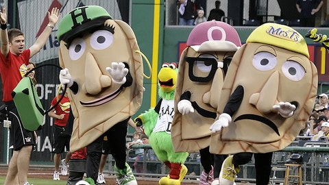 Great Pierogi Race, Pirates