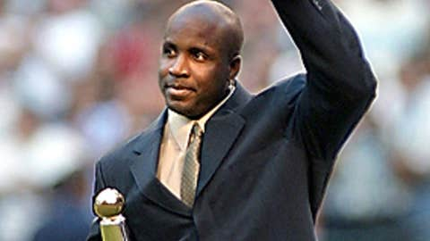 2001: Single-season HR king