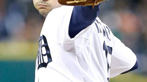 Anibal Sanchez re-signs with Tigers