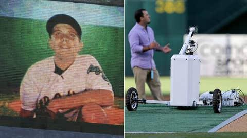 Oakland: Long-distance toss
