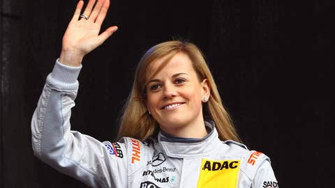 Hot Women Racers: No. 8