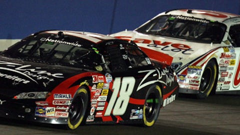 Carl Edwards vs. Kyle Busch (2008)