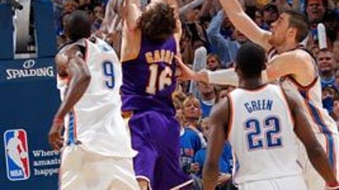 Pau Gasol's putback to beat Thunder, first round