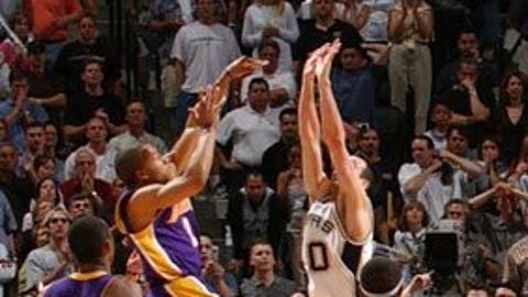 Derek Fisher's 0.4 miracle to beat Spurs, 2004 conference semifinals