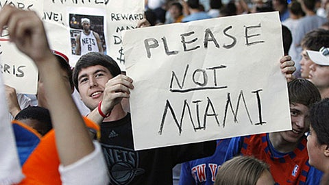 LeBron James, fans (Getty Images)