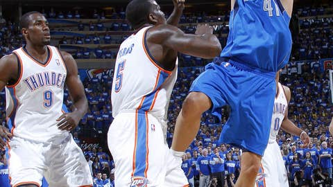 Dirk doing work