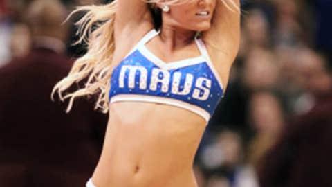 Cheerleader break