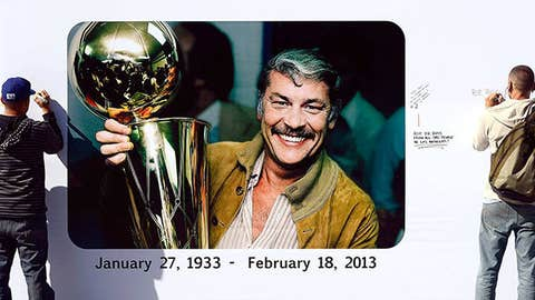Lakers fans write personal messages on the Dr. Buss Memorial Banners
