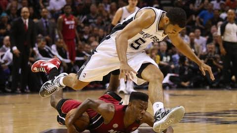 Spurs run over Heat