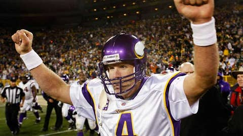 Favre gets up for the Packers