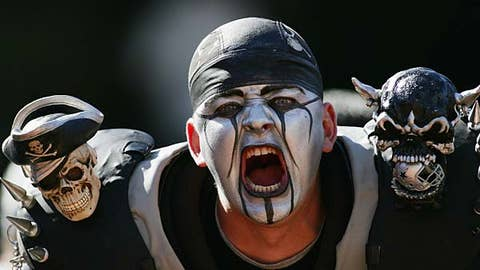 RAIDERS (-1) over Chiefs (Over/under: 47)