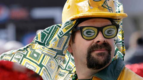 Wonder who this guy is rooting for?