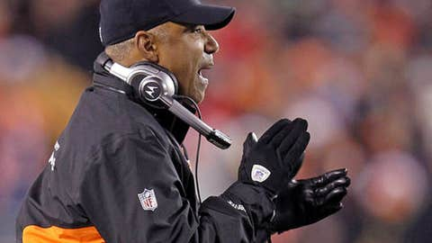Guy: Marvin Lewis