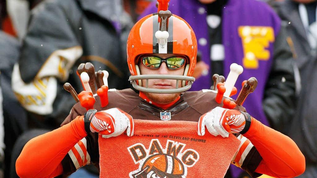NFL Football NY New York Jets Fan Face Warrior Mask Logo Game Tailgate Stadium