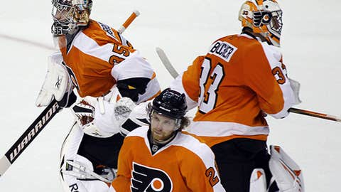 Who will start in net for the Flyers?