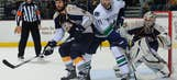 Canucks finish off Predators in Game 6