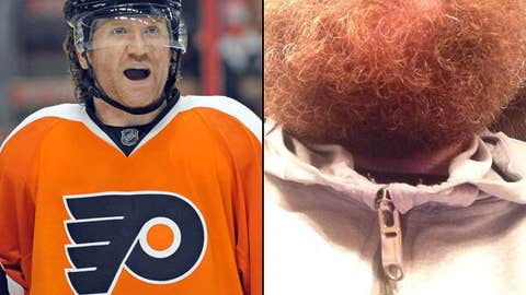 Flyers forward Scott Hartnell (@Hartsy19)