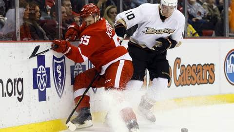 2 Ducks vs. 7 Red Wings