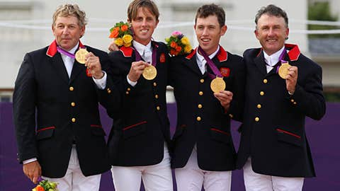 Equestrian jumping team - men's